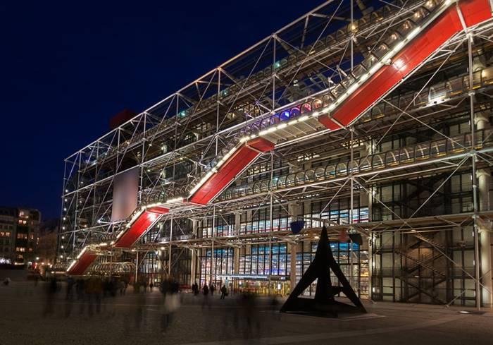 Center Georges Pompidou karya Renzo Piano