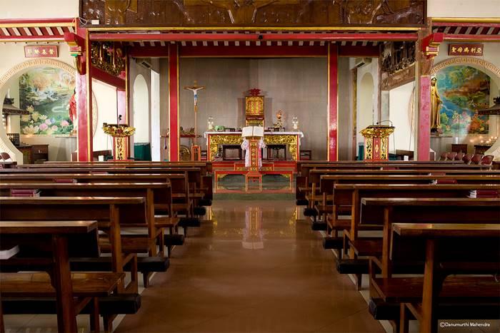 Gereja Santa Maria de Fatima - Desain Arsitektur Gereja Terindah & Tertua di Indonesia