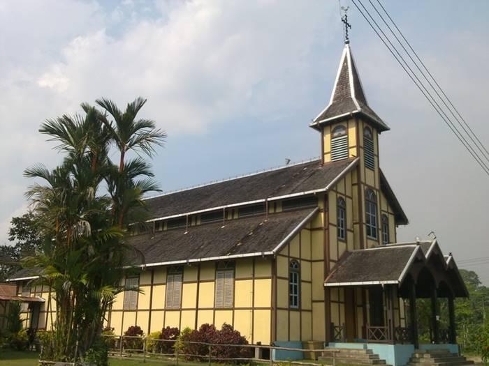 Gereja Fidelis Sebiram - Desain Arsitektur Gereja Terindah & Tertua di Indonesia