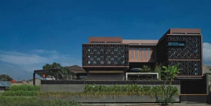 Rumah Botol - Karya Arsitek Indonesia yang Menang Penghargaan Internasional
