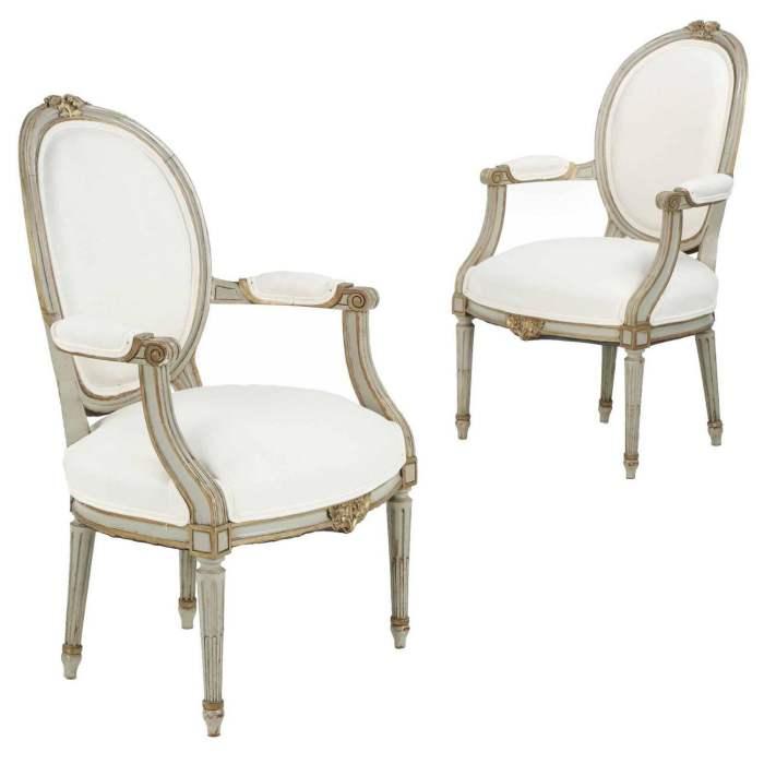 Kursi Antik Fauteuil chair