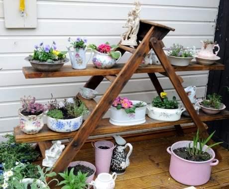Pot Bunga DIY dari Barang Bekas