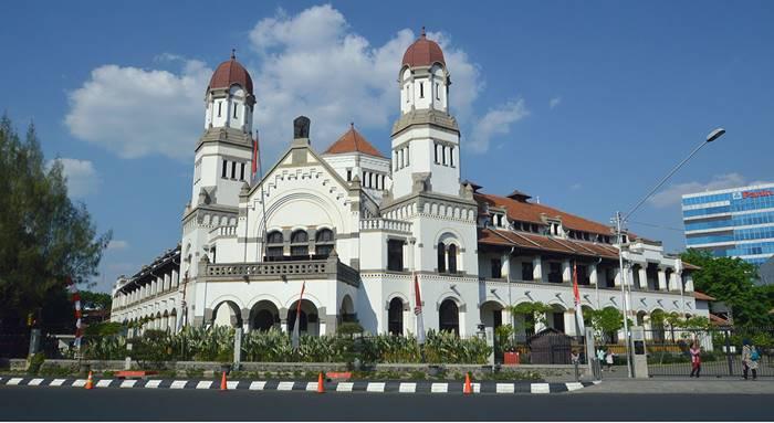 Arsitektur Bangunan Bersejarah di Indonesia